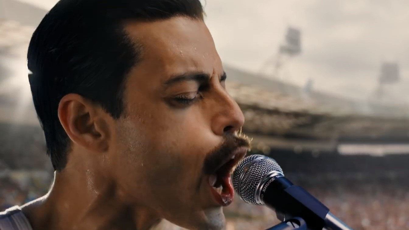 "Mira a Rami Malek tocar ""Crazy Little Thing Called Love"" en una escena eliminada de Bohemian Rhapsody"