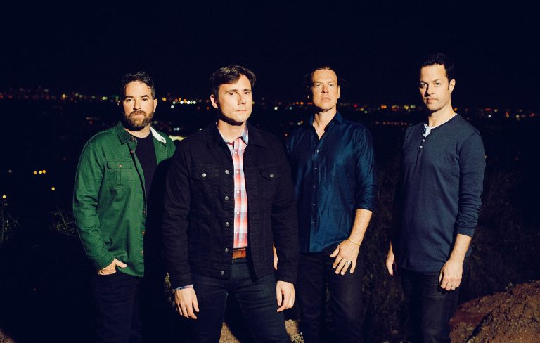 Jimmy Eat World anuncia nuevo disco y comparte su primer single: All The Way (Stay)